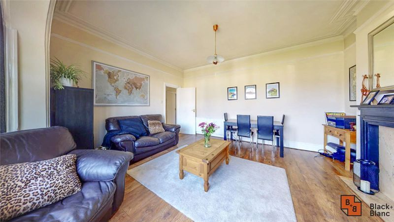 2 bed flat for sale in St. Augustines Avenue  - Property Image 2