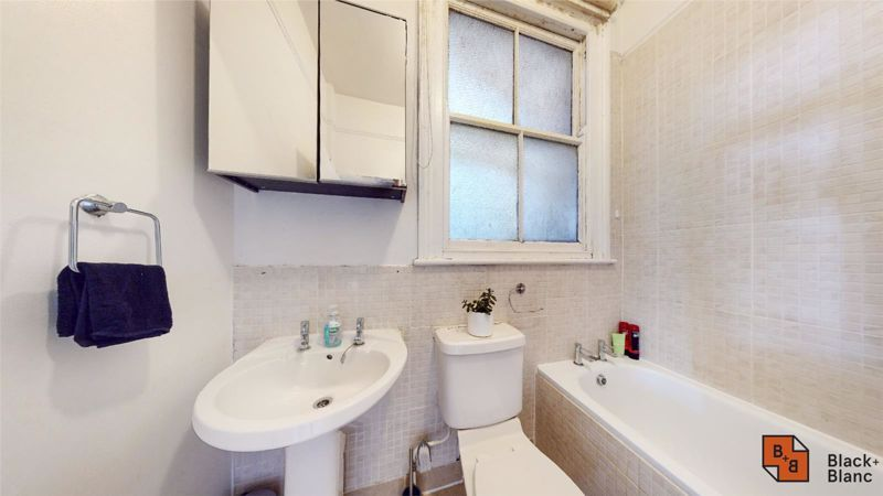 2 bed flat for sale in St. Augustines Avenue  - Property Image 8