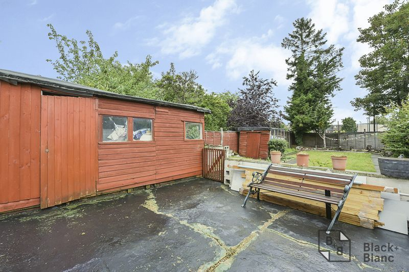 4 bed house for sale in Morland Road  - Property Image 13