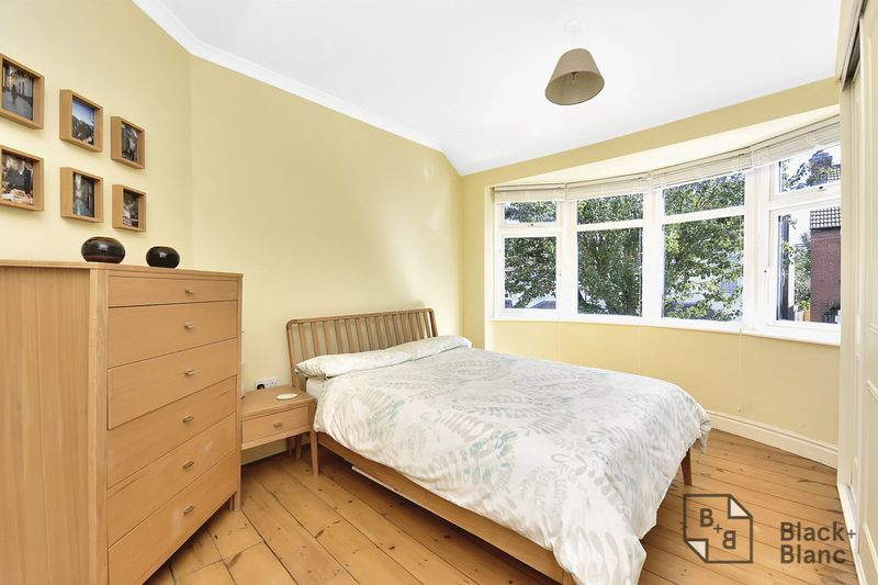 3 bed house for sale in Addiscombe Court Road  - Property Image 5