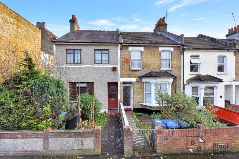 3 bed house for sale in Greenside Road 1