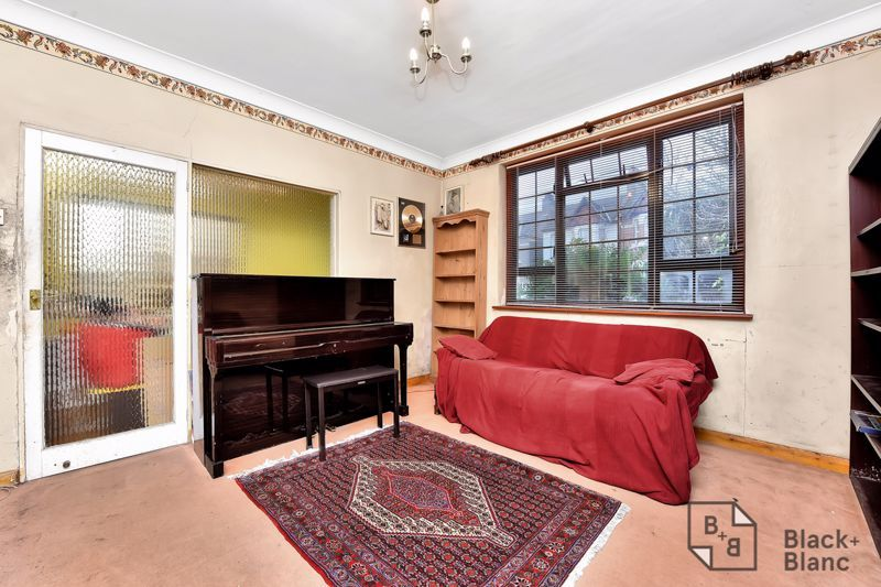 3 bed house for sale in Greenside Road 2