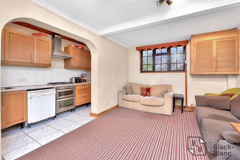 3 bed house for sale in Greenside Road 7