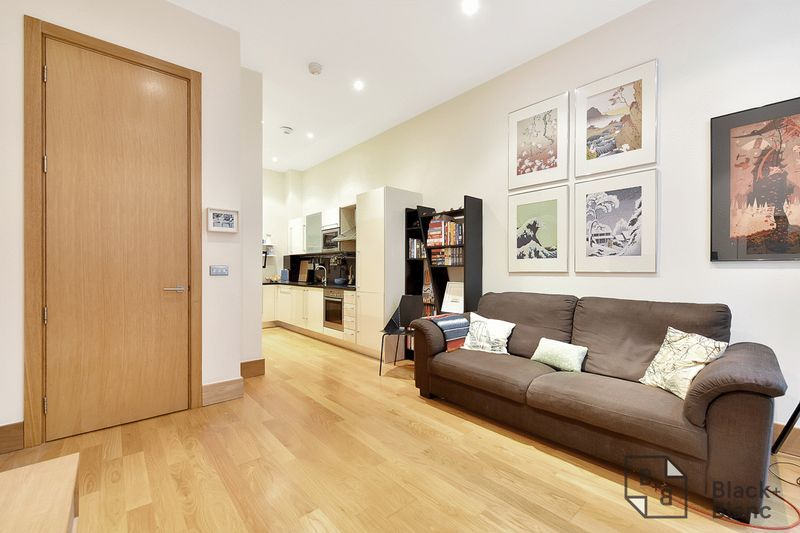 1 bed flat for sale in 6 Scarbrook Road 2