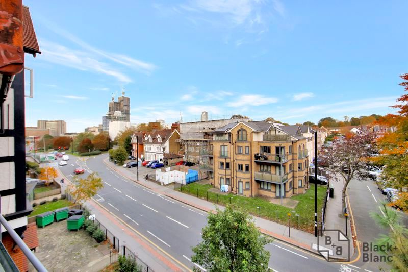 1 bed flat for sale in 82 Park Lane, CR0