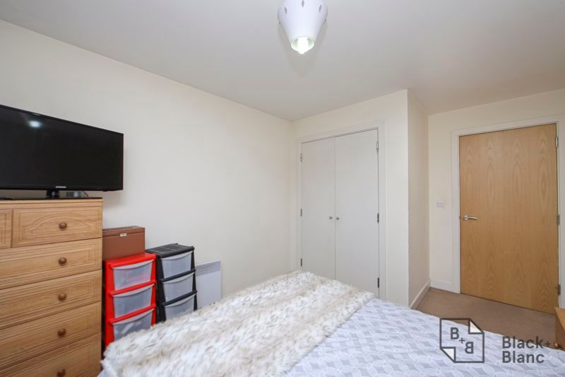 1 bed flat for sale in 82 Park Lane 5