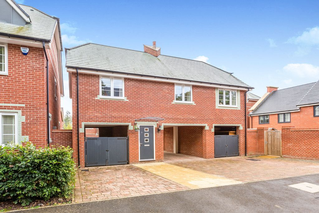 2 bed flat for sale in Eaker Street, High Wycombe, HP11