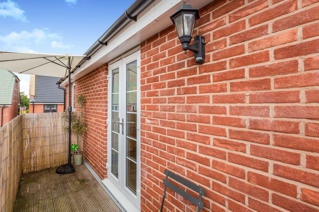 2 bed flat for sale in Eaker Street, High Wycombe  - Property Image 7