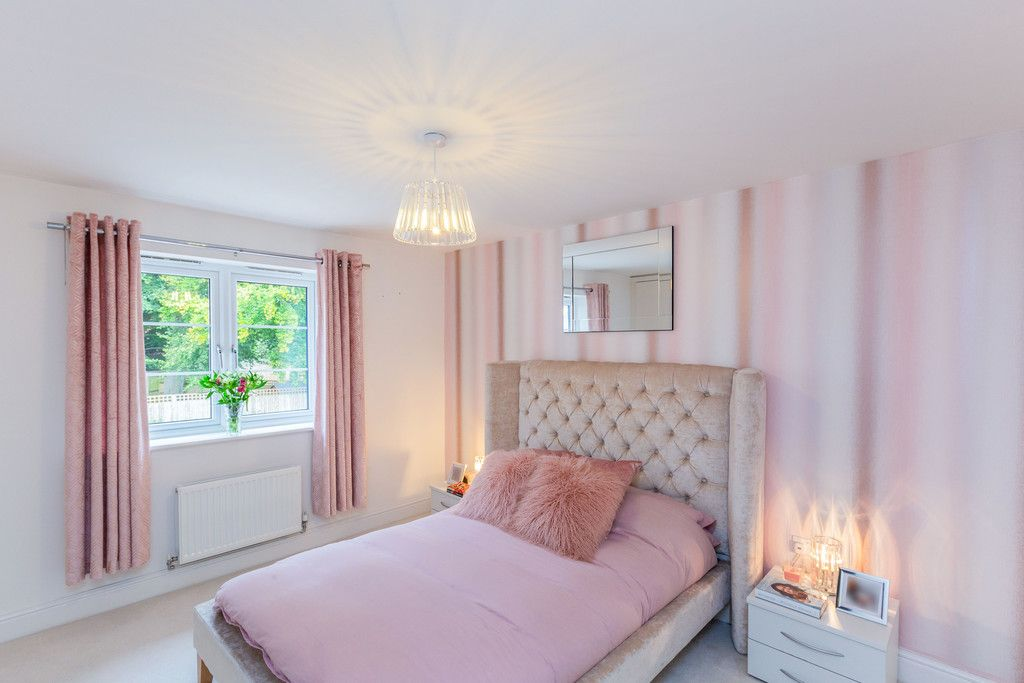 2 bed flat for sale in Eaker Street, High Wycombe  - Property Image 8