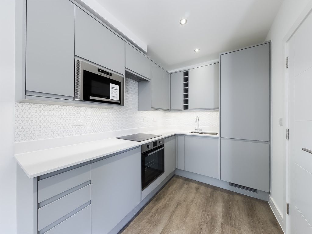 1 bed flat for sale in Hughenden Road, High Wycombe 2