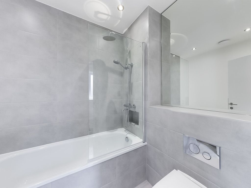 1 bed flat for sale in Hughenden Road, High Wycombe 8