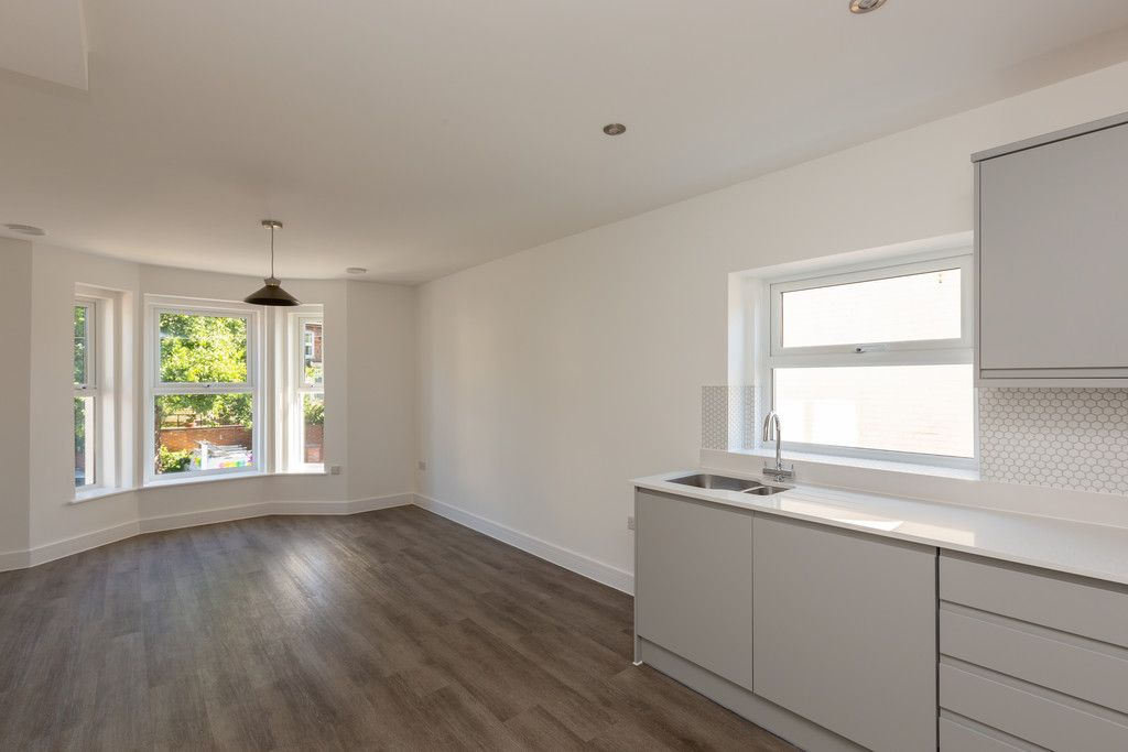 2 bed flat for sale in Hughenden Road, High Wycombe, HP13
