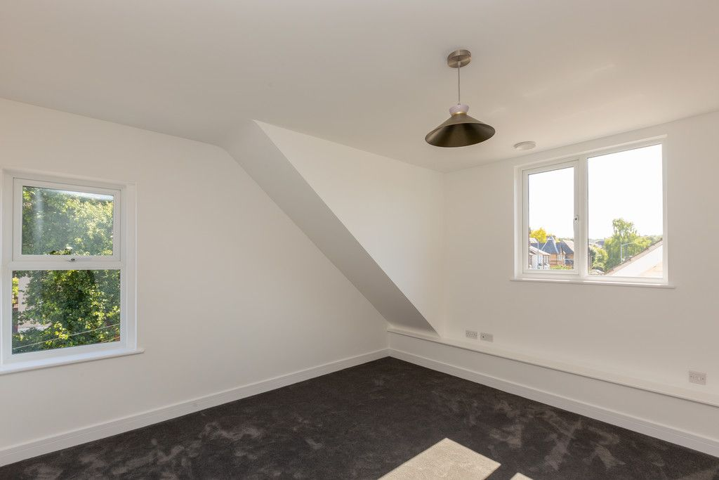 2 bed flat for sale in Hughenden Road, High Wycombe  - Property Image 9