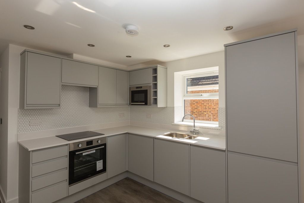 1 bed flat for sale in Hughenden Road, High Wycombe  - Property Image 3