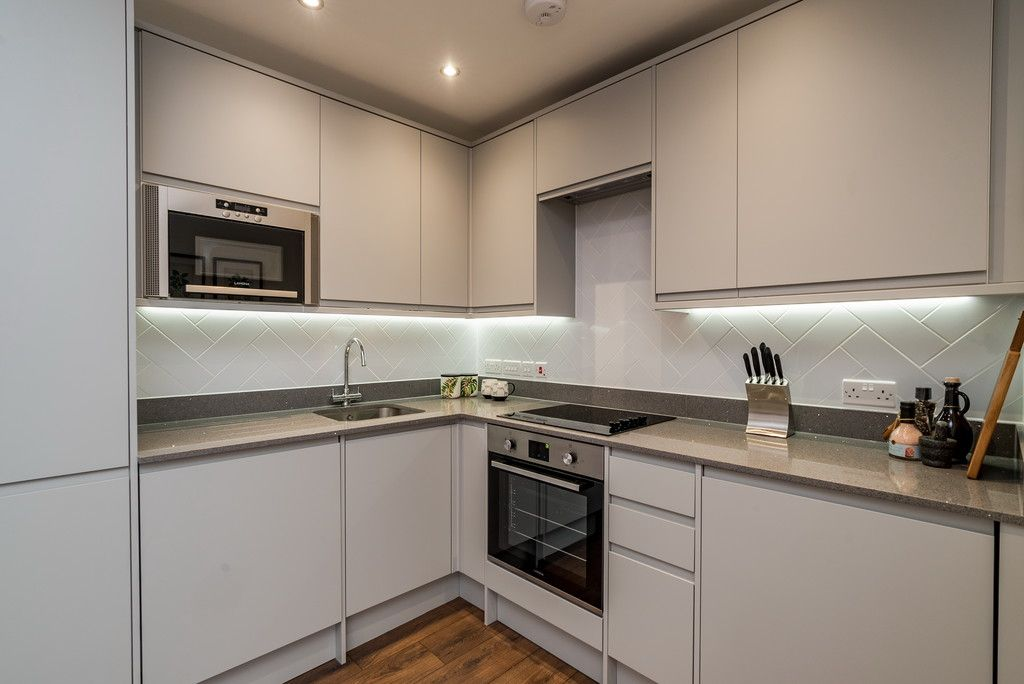 1 bed flat for sale in Ambassador Court, West Wycombe Road  - Property Image 6