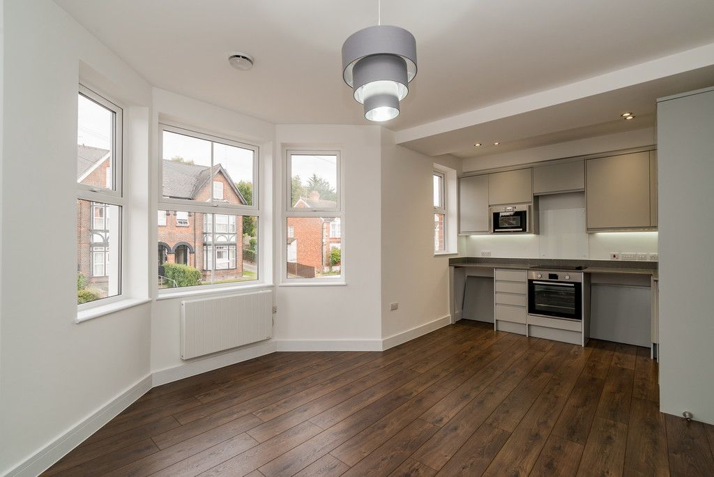 1 bed flat for sale in West Wycombe Road, High Wycombe, HP12