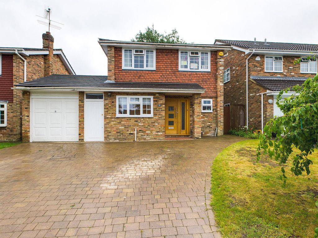 4 bed house for sale in Hillcroft Road, Penn 1