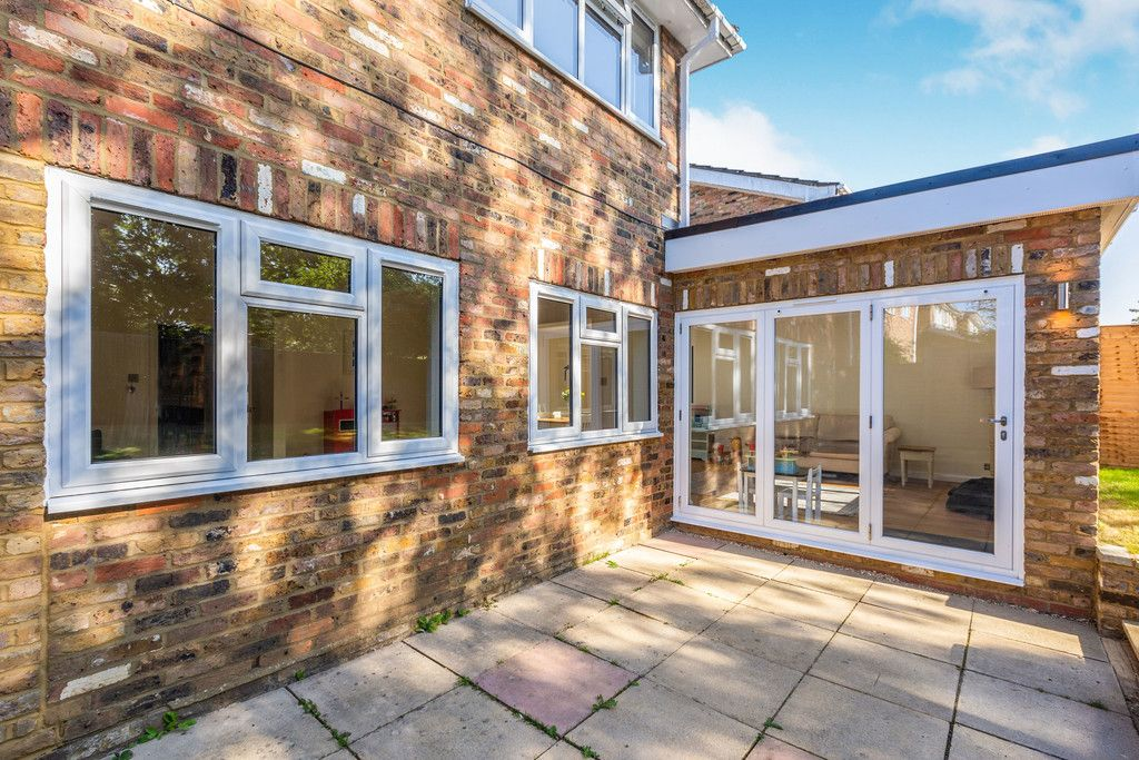 4 bed house for sale in Hillcroft Road, Penn 6