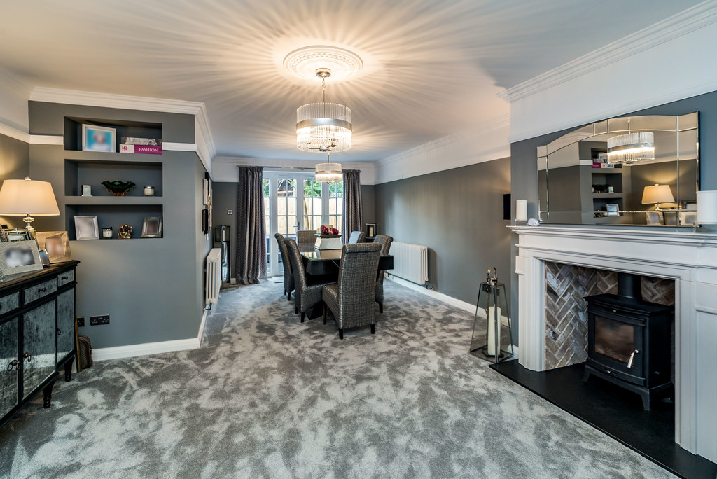 5 bed house for sale in Woodside Avenue, Beaconsfield  - Property Image 2
