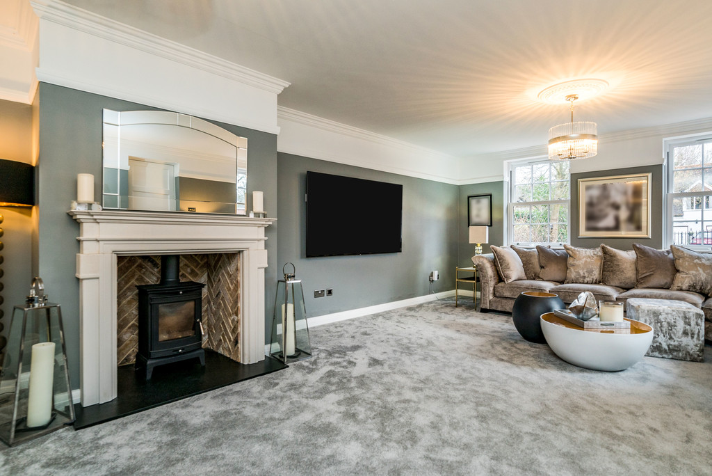 5 bed house for sale in Woodside Avenue, Beaconsfield 14