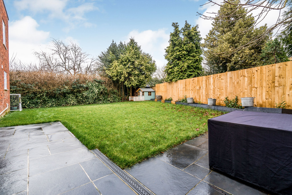 5 bed house for sale in Woodside Avenue, Beaconsfield 3