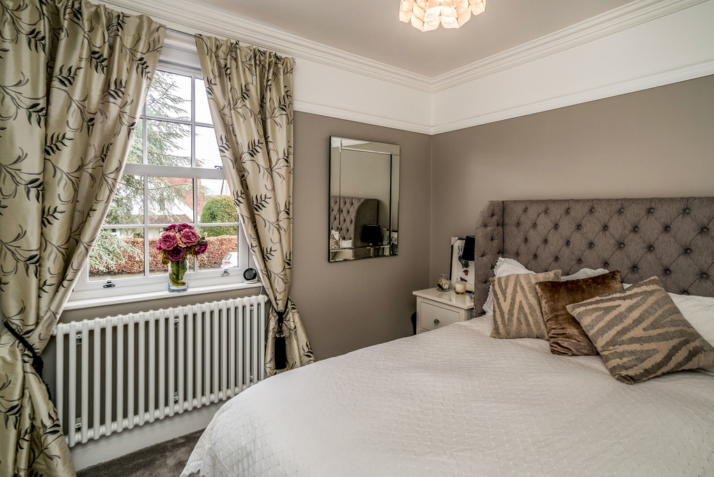 5 bed house for sale in Woodside Avenue, Beaconsfield 7