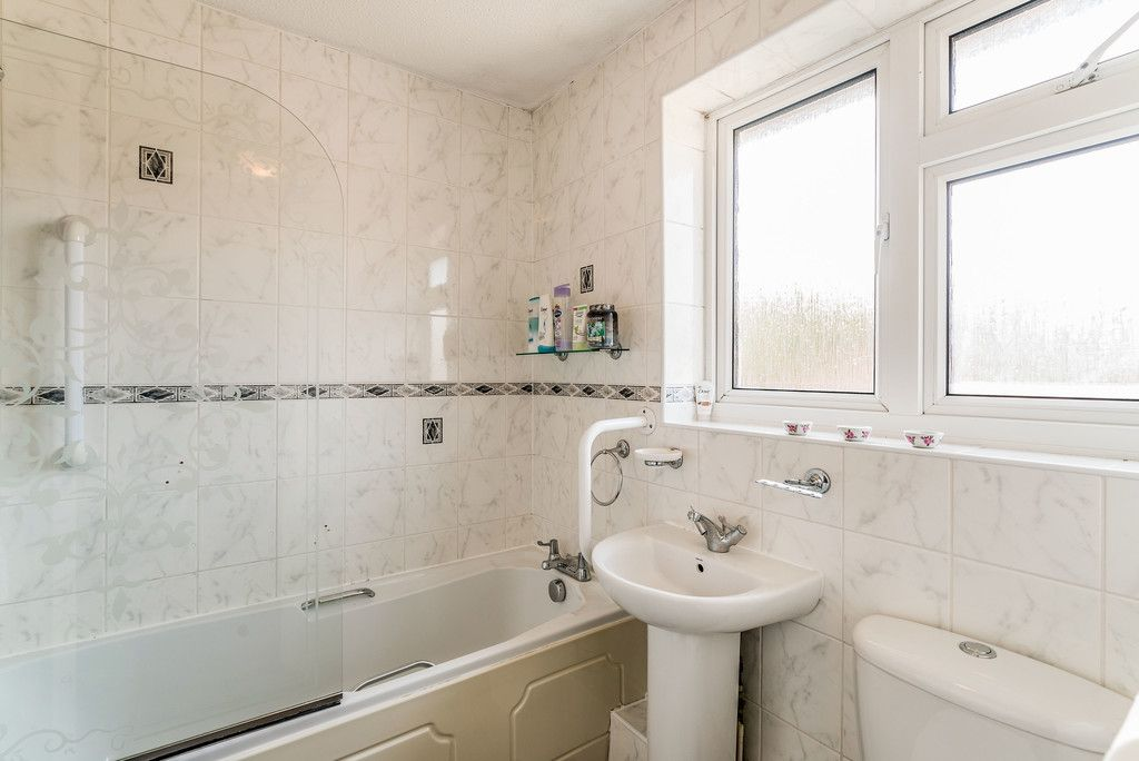 2 bed house for sale in Meredith Drive, Aylesbury 13