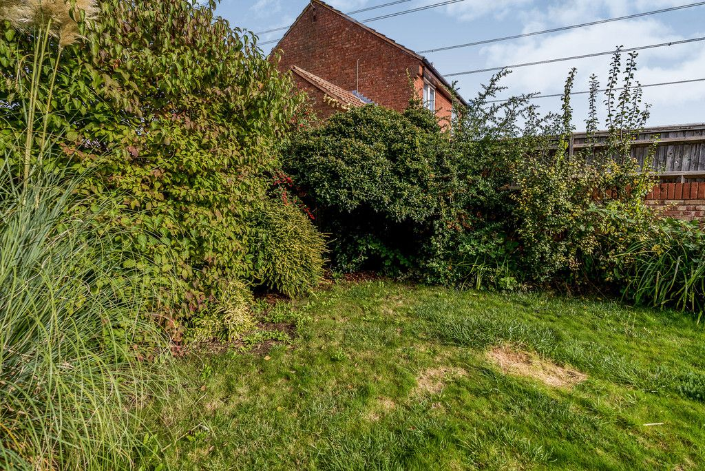 2 bed house for sale in Meredith Drive, Aylesbury 6