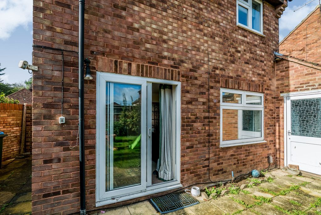 2 bed house for sale in Meredith Drive, Aylesbury 8
