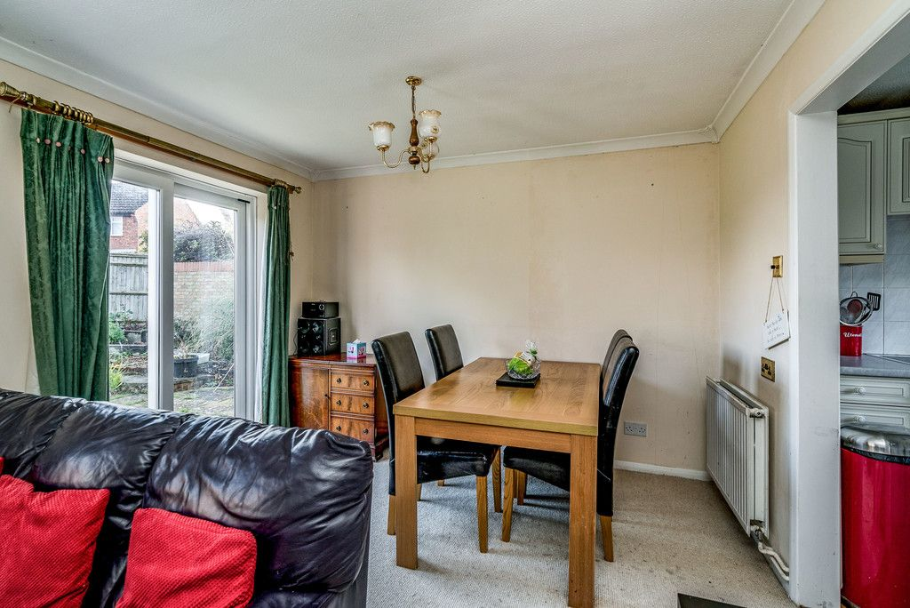 2 bed house for sale in Meredith Drive, Aylesbury 10