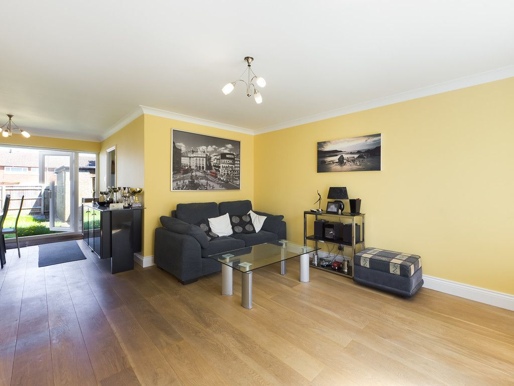 3 bed house for sale in Wrights Lane, Prestwood, Great Missenden  - Property Image 3