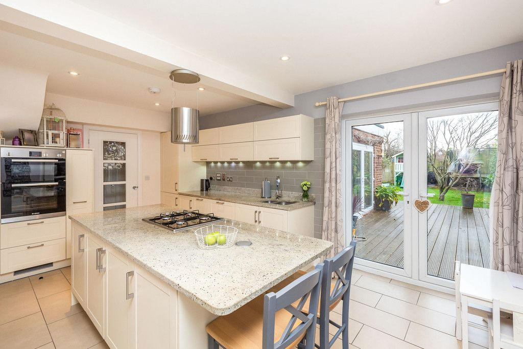 5 bed house for sale in Holmer Green 6