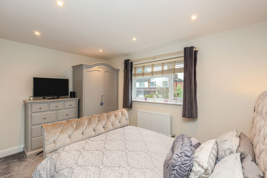 5 bed house for sale in Holmer Green  - Property Image 7