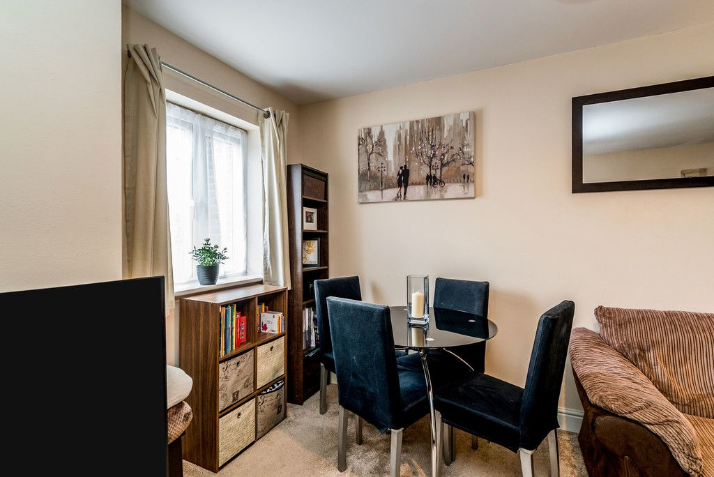 2 bed flat for sale in Freer Crescent, High Wycombe 12