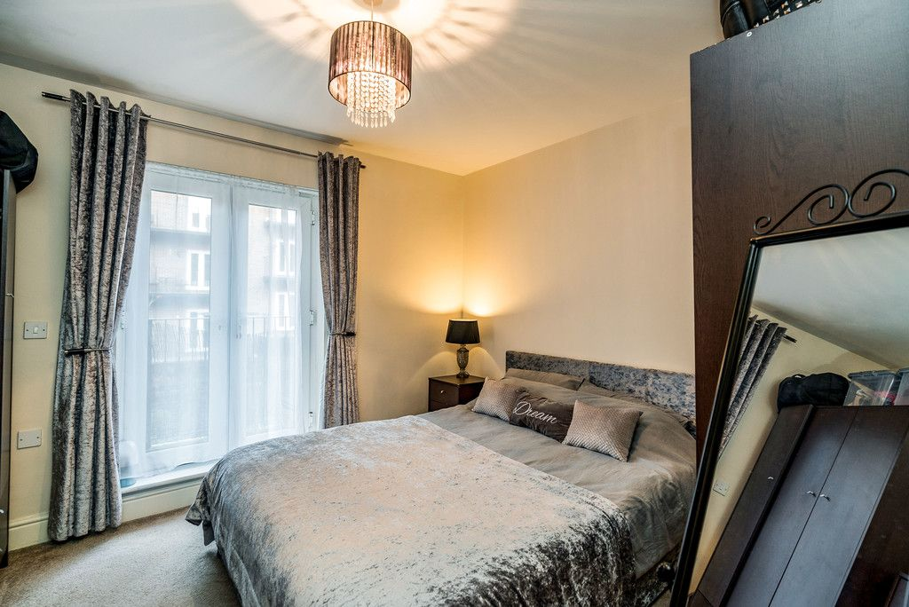 2 bed flat for sale in Freer Crescent, High Wycombe  - Property Image 6