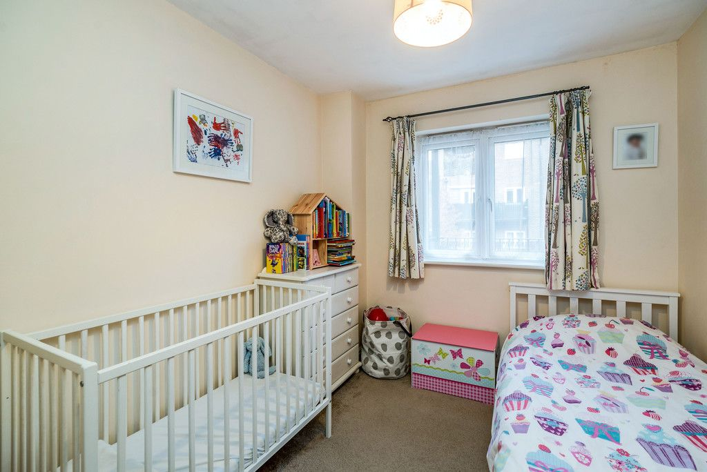 2 bed flat for sale in Freer Crescent, High Wycombe  - Property Image 7