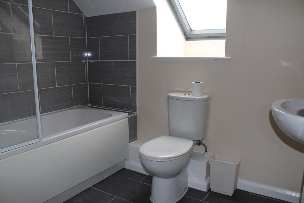 1 bed flat for sale in Gandon Vale, High Wycombe 2