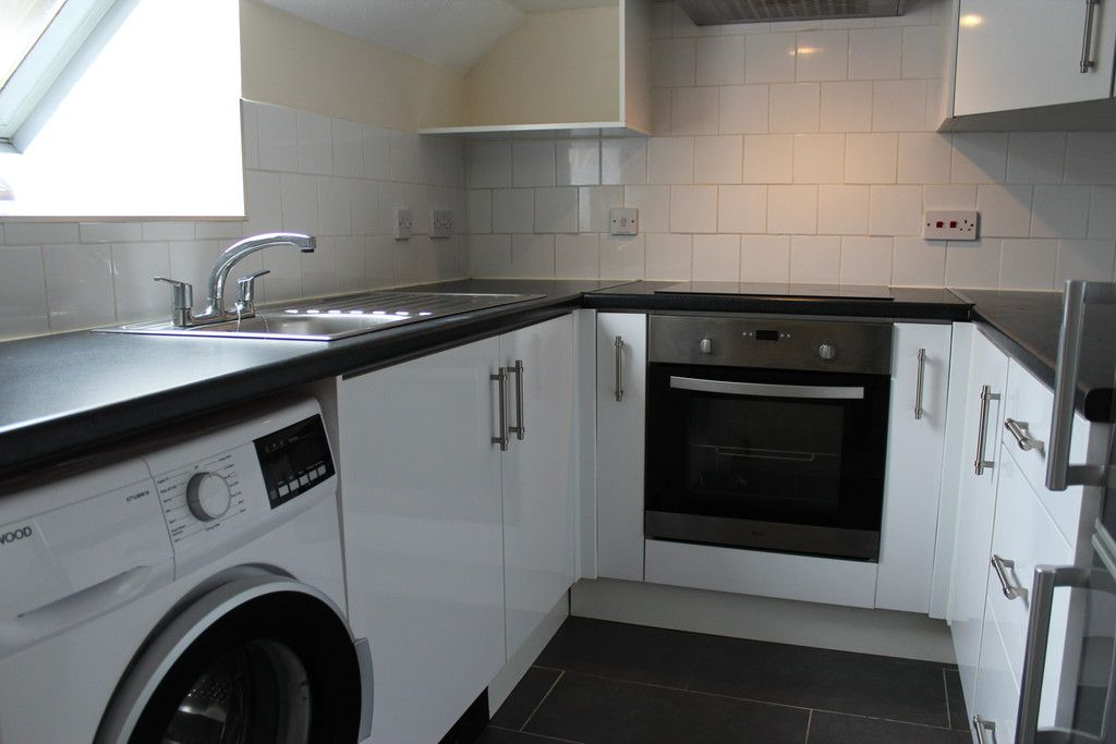 1 bed flat for sale in Gandon Vale, High Wycombe  - Property Image 3