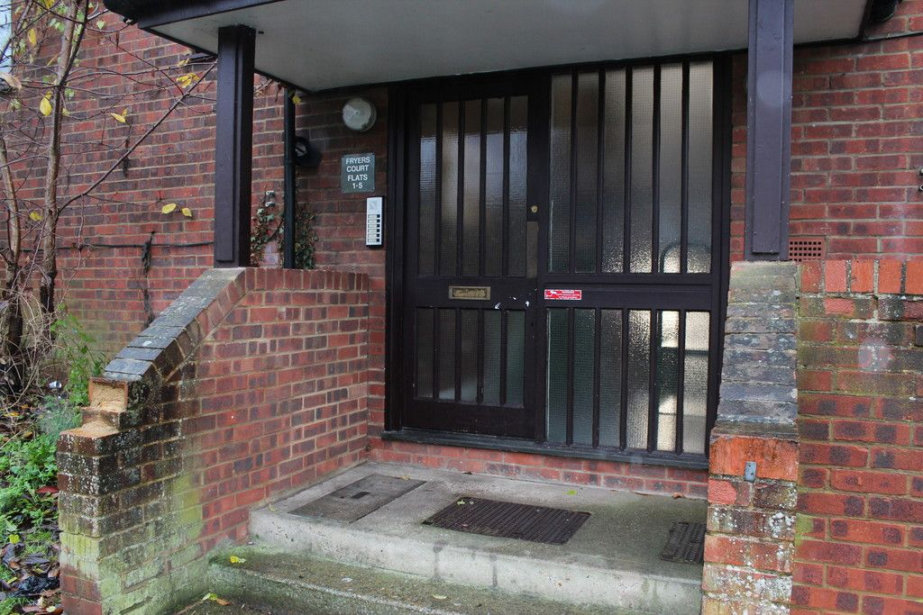 1 bed flat for sale in Fryers Court, Eaton Avenue 2
