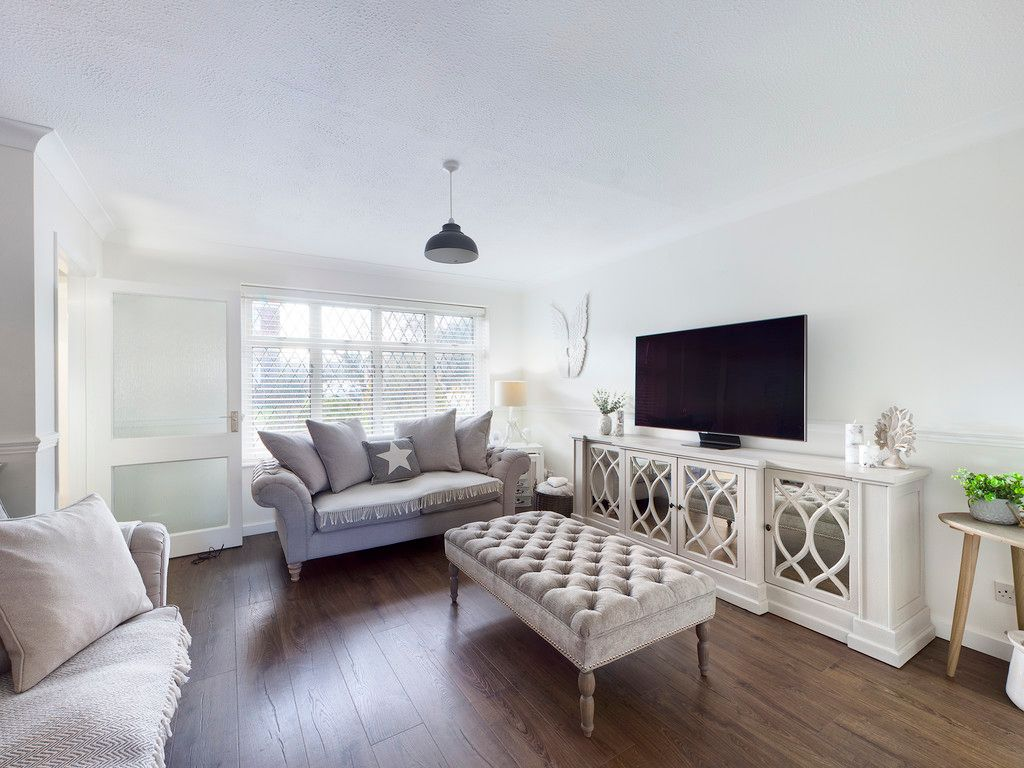 3 bed house for sale in Wrights Lane, Prestwood 2