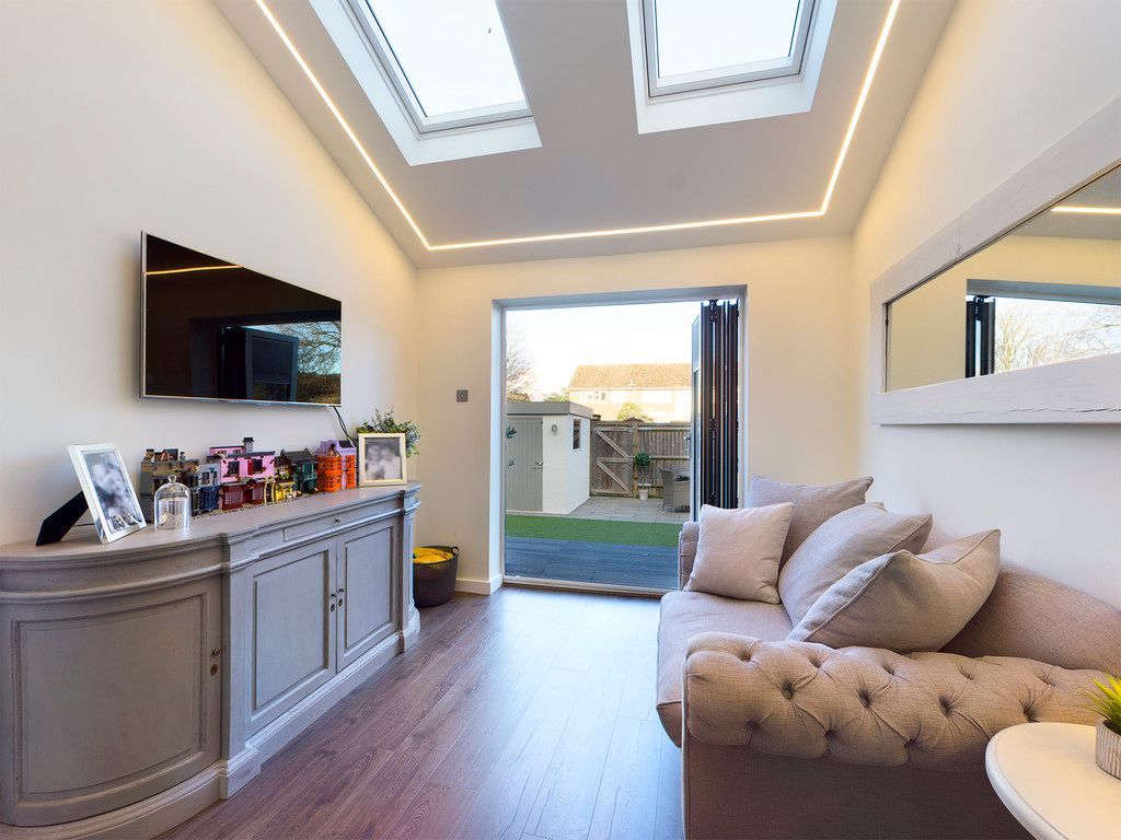 3 bed house for sale in Wrights Lane, Prestwood 3