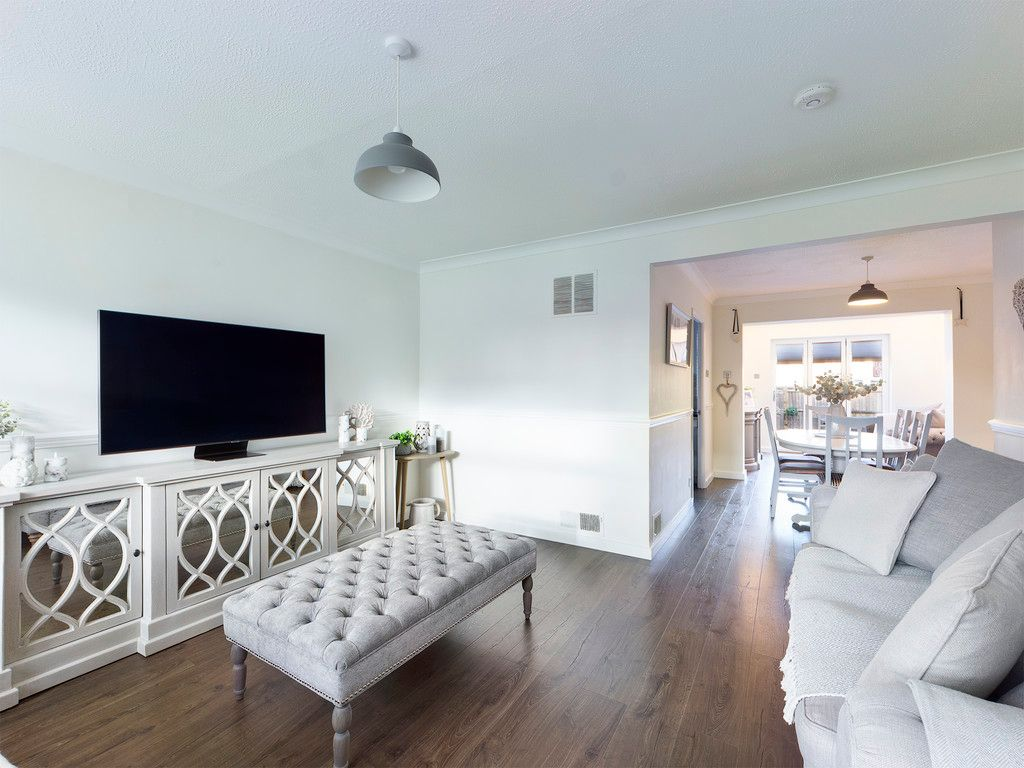 3 bed house for sale in Wrights Lane, Prestwood  - Property Image 6