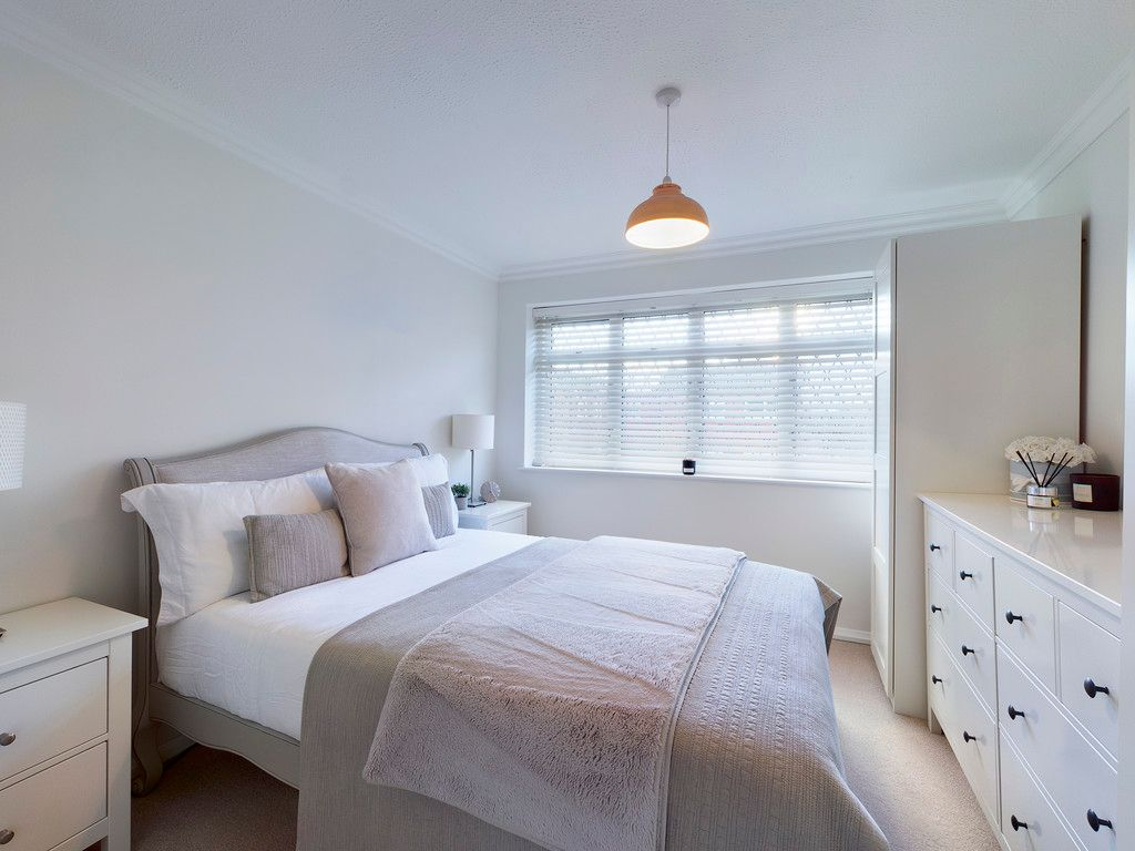 3 bed house for sale in Wrights Lane, Prestwood 8