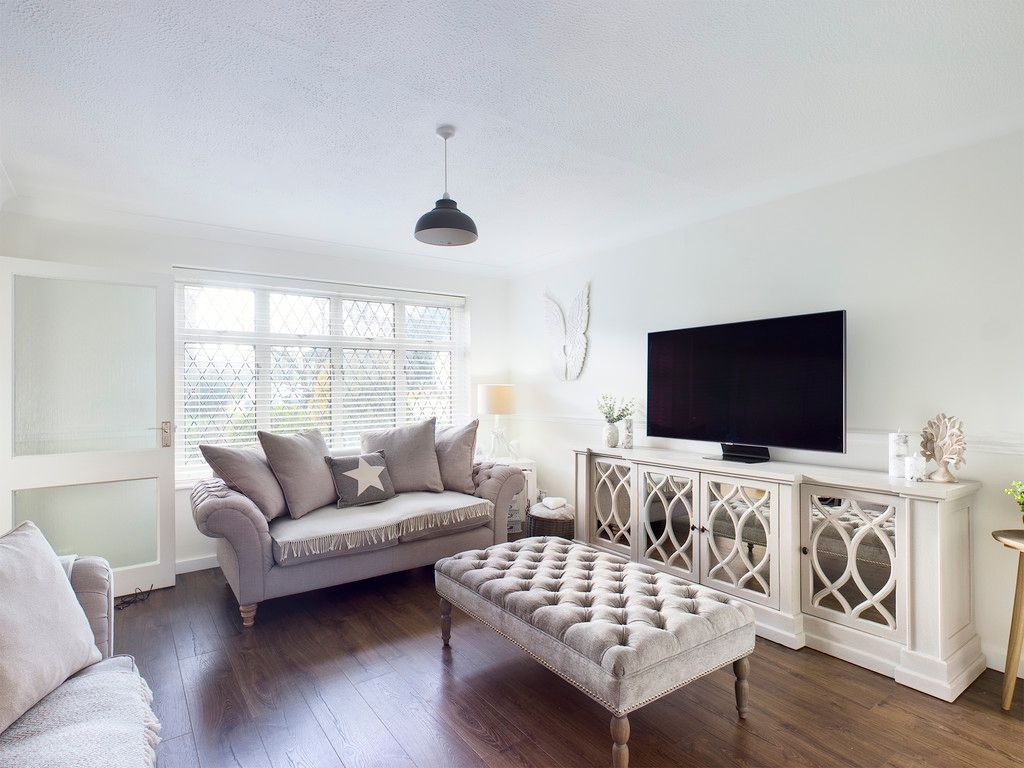 3 bed house for sale in Wrights Lane, Prestwood 9