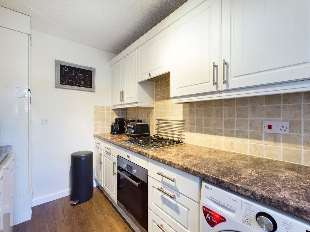 3 bed house for sale in Wrights Lane, Prestwood 10