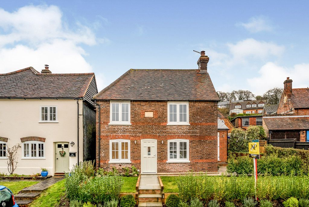 3 bed house for sale in Foundry Lane, Loosley Row, Princes Risborough, HP27