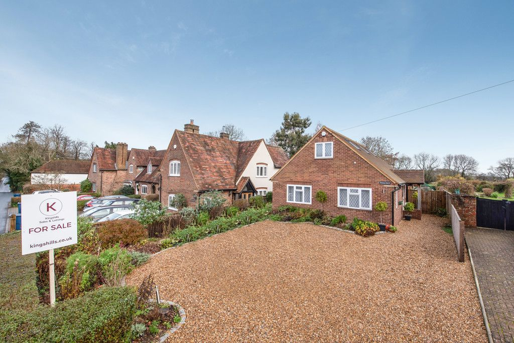 4 bed house for sale in Elm Road, Penn, HP10