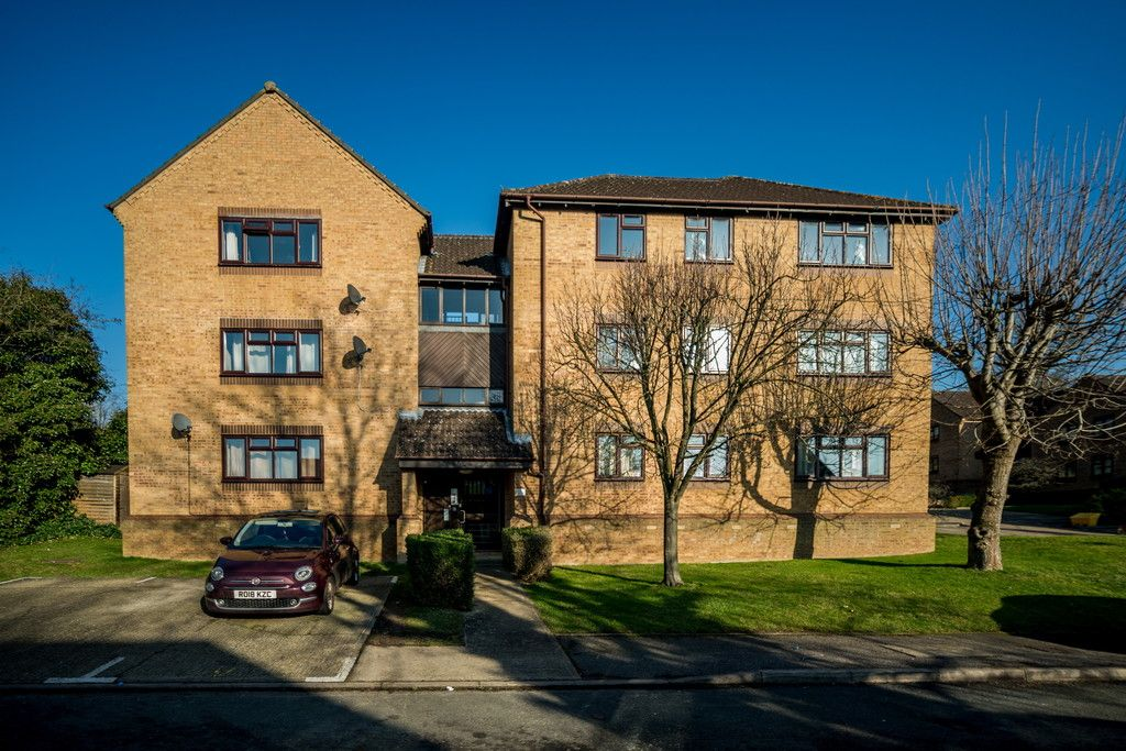 2 bed flat for sale, HP13