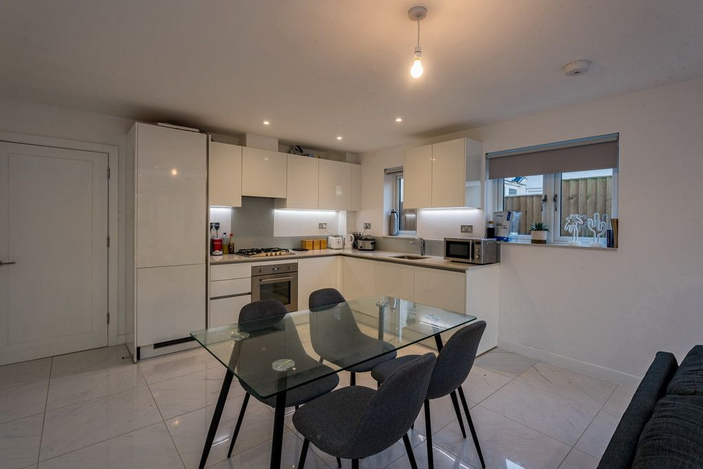 4 bed house for sale in Amersham Road, High Wycombe  - Property Image 8