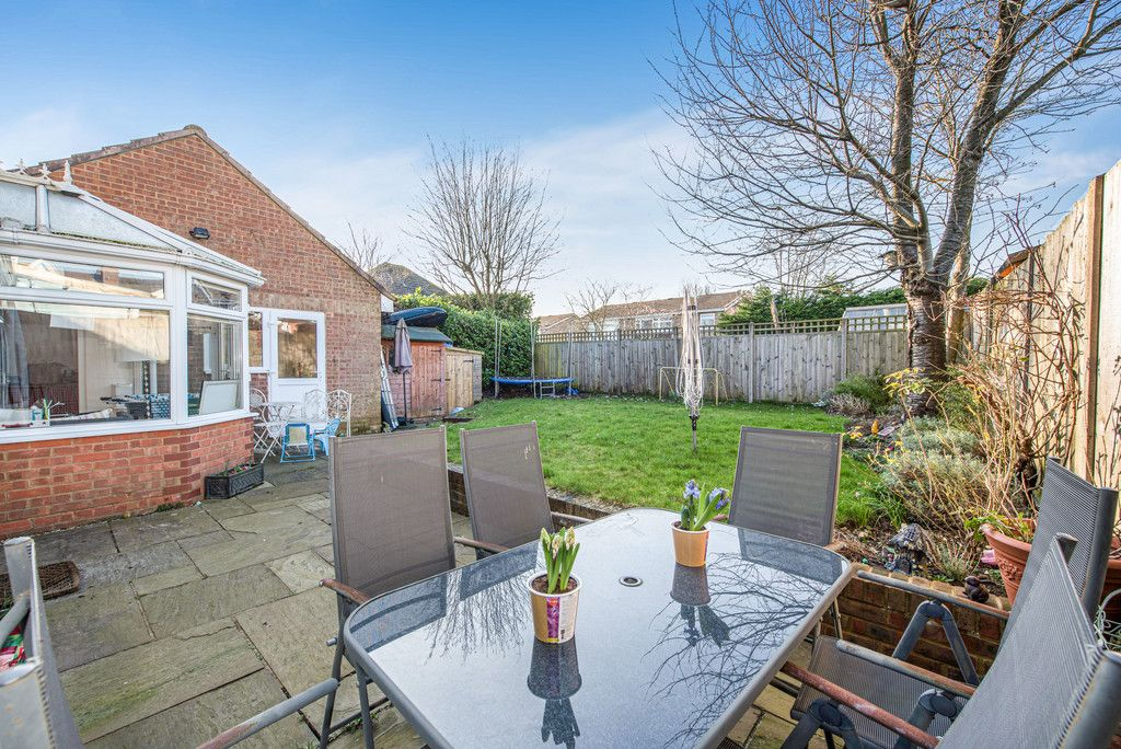 4 bed house for sale in Briarswood, Hazlemere, High Wycombe  - Property Image 3